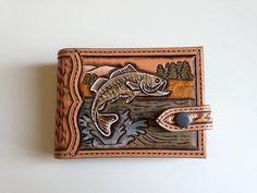 Porte billet et monnaie en cuir repoussé motif: peche poisson sculpté : Porte-monnaie, portefeuilles par lakota-cuir