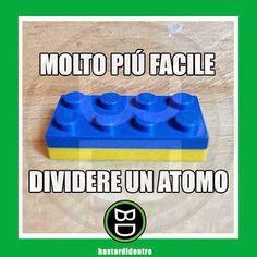 Bastardidentro Funny Video Memes, Funny Jokes, Hilarious, Funny Images, Funny Photos, Lego Memes, Italian Memes, Verona, Hate School