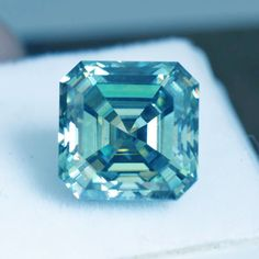 Item must be in its original unworn condition. Color can be slightly different due to reflection of light in the picture. Asscher Cut, Light Reflection, Pendant Earrings, Moissanite, Decorative Boxes, Handmade Items, Fancy, Engagement Rings, Gemstones