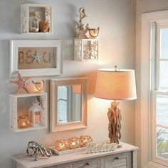 Coastal Shell & Starfish Wall Cube Shelves - Coastal Decor Ideas and Interior Design Inspiration Images Coastal Bedrooms, Coastal Living Rooms, Coastal Homes, Coastal Decor, Coastal Style, Coastal Interior, Coastal Rugs, Modern Coastal, Modern Decor