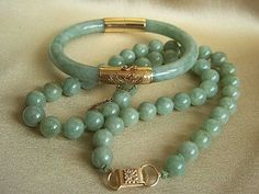 MINGS MING'S 14K Jadeite Jade Necklace and Matching Hinged 14K Bracelet Set