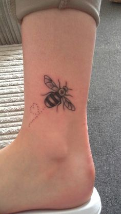 Fresh tattoo from this morning! # Manchester bee