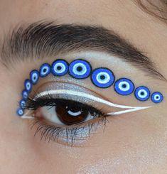 10 Most Creative Makeup Ideas That Are Trending Makeup Inspo, Makeup Art, Beauty Makeup, Hair Makeup, Makeup Ideas, Edgy Makeup, Eyeshadow Makeup, Makeup Inspiration, Pretty Eye Makeup