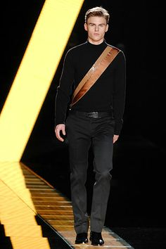 Versace   Fall 2007 Menswear Collection   Style.com