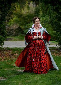 Venetian Zimarra (loose overgown) dress diary, on MorganDonner.com.