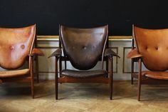 Chieftain Chairs (1949) by Danish architect & designer Finn Juhl (1912-1989), photographed by Ivan Schlechter for kamada. via plastolux