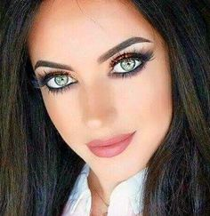 Top 10 Countries With The World's Most Beautiful Women (Pictures included) Stunning Eyes, Gorgeous Eyes, Pretty Eyes, Cool Eyes, Beautiful Gorgeous, Big Eyes, Photo Mannequin, Portrait Photos, Interesting Faces