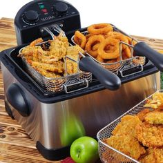 Secura Stainless-Steel Triple-Basket Electric Deep Fryer, with Timer Free Extra Oil Filter Fry Fish And Chips At The Same Time. Our cool-touch, stainless steel Deep Fryer come… Home Deep Fryer, Best Deep Fryer, Small Kitchen Appliances, Kitchen Gadgets, Cool Kitchens, Kitchen Utensils, Kitchen Tools, Electric Deep Fryer, Fried Chicken Wings