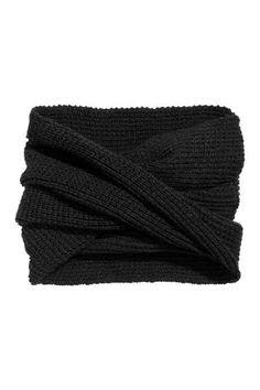 Ribbed tube scarf