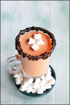 Spiked Pumpkin Pie White Hot Chocolate | 25 Pumpkin Desserts To Eat This Fall