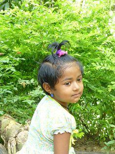 File:Sri Lanka-Petite fille.jpg