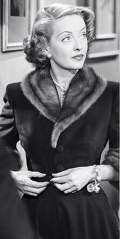 """Bette Davis in """"June Bride,"""" Old Hollywood Stars, Golden Age Of Hollywood, Vintage Hollywood, Classic Hollywood, Hollywood Style, Hollywood Fashion, Hollywood Glamour, Divas, Bette Davis Eyes"""
