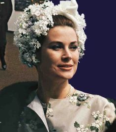 anothergracekellyblog: graciemonaco: Exquisite photo of Princess Grace at Royal Ascot……thanks gracie-bird Miss C does it again!