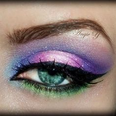 Pink Purple and Green Fairy Makeup look - Maquillaje morado rosa y verde ♛ Gorgeous Eyes, Gorgeous Makeup, Love Makeup, Makeup Art, Makeup Looks, Pretty Eyes, Beautiful, Maquillage Halloween, Halloween Makeup