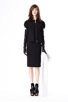 Vera Wang - Pre-Fall 2014  http://www.style.com/fashionshows/complete/slideshow/2014PF-VWANG/
