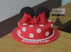 Torta de Minnie Mouse.   #TortaInfantil  Whatsapp: 3006080239   info@mocka.co   (1) 4583915  www.mocka.co  #mocka #pasteleria #pasteleriasbogota #bakery #cakeshop #cake #ponque #torta #pastel #ponquedecorado #tortadecorada #birthday #cumpleaños #ponqueinfantil #artenazucar #tortacumpleaños #cakeoftheday #mickey #minnie #minniemouse #minniecake #disney #pasteleriaartesanal #cakesbogota #fondant #fondantcake #mickeymouse #tortaminnie