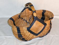 Tulip Basket- Need to find one of these.  Love it!