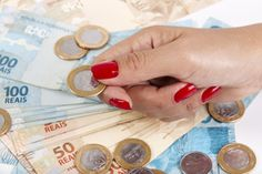 Comece o ano poupando de uma maneira diferente e tenha um dinheiro extra para gastar no fim do ano!