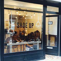 Nouvelle vitrine.... Enjoy :) ! Mille millions de mercis @Clotildedelescluse !  #shoeup #shoe #menstyle #shoeporn #shoemaker #mensfashion #craftsmanship #leather #chaussures #homme