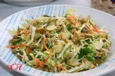 Капустный салат с солёными огурцами