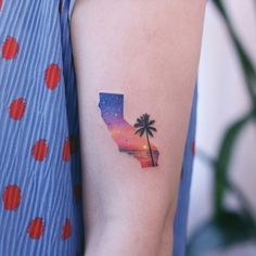 60 Tiny Tattoos That Demand Your Attention - Page 4 of 6 - Straight Blasted Dope Tattoos, Mini Tattoos, Sunset Tattoos, Wrist Tattoos, Finger Tattoos, Unique Tattoos, New Tattoos, Sleeve Tattoos, Tattoo Girls