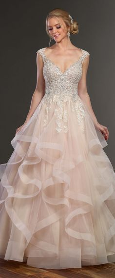 Vintage Wedding Dresses Wedding Dress by Martina Liana Spring 2017 Bridal Collection - No one does romantic wedding dresses quite like Martina Liana. The Spring 2017 bridal collection brings traditional elements into modern designs. Pink Wedding Dresses, Princess Wedding Dresses, Wedding Dress Styles, Bridal Dresses, Wedding Gowns, Ivory Wedding, Wedding Ceremony, Wedding Mandap, Wedding Stage