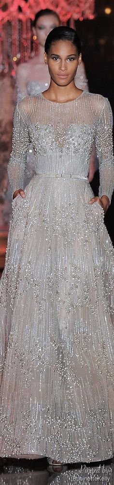Elie Saab Haute Couture m Style Couture, Couture Fashion, Beautiful Gowns, Beautiful Outfits, Elie Saab Fall, Glamour, Designer Gowns, Mode Outfits, Mode Inspiration
