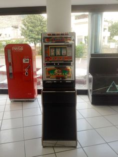 Slot Machine, Distributore CocaCola, Jukebox