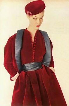 Dior in Vogue, 1954 red velvet dress jacket hat vintage fashion style color photo print ad model magazine designer couture Vintage Fashion 1950s, Vintage Mode, Fifties Fashion, Vintage Dior, Vintage Couture, Vintage Glamour, Vintage Beauty, Retro Fashion, Vintage Dresses