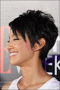 Today we have the most stylish 86 Cute Short Pixie Haircuts. We claim that you have never seen such elegant and eye-catching short hairstyles before. Pixie haircut, of course, offers a lot of options for the hair of the ladies'… Continue Reading → Short Pixie Haircuts, Cute Hairstyles For Short Hair, Short Hair Cuts For Women, Curly Hair Styles, Short Cuts, Shortish Hairstyles, Messy Pixie Haircut, Sassy Haircuts, Fall Hairstyles