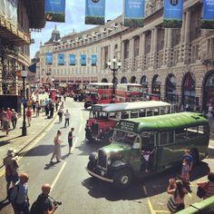 Vintage bus show - New Bus, Bus Stop, Street View, Activities, London, Places, Vintage, Instagram, London England