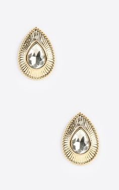 Let's take it back to the 80's with these teardrop earrings.   MakeMeChic.com