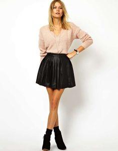Cómo combinar la falda de cuero: Fotos algunos modelos - Falda cuero mini con vuelo