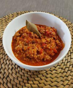 Σάλτσα κιμά | Cookos #kimas #beef #sauces #bolognese #greekrecipes #food #recipes #foodporn Bolognese, Thai Red Curry, Meat, Ethnic Recipes, Food, Essen, Meals, Yemek, Eten