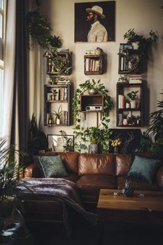 Home Living Room, Living Room Decor, Bedroom Decor, Living Room Interior, Dark Living Rooms, Punk Bedroom, Living Room Furniture, Aesthetic Room Decor, My New Room