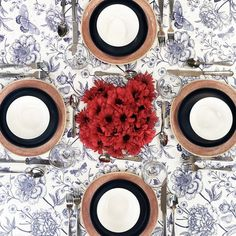 Festive, patriotic or just plain summery. This classic colour combination is a must for warmer weather, and sure to put you in a good mood! Contemporary Tabletop, Blue Table Settings, Table Top Design, Pattern Mixing, Good Mood, Accent Colors, Artificial Flowers, Dinnerware, Red And White