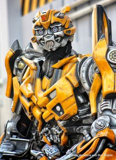Bumblebee character at Universal Studios, Orlando!  What Do the Transformers Run On? Apparently, Its AWESOMESAUCE!