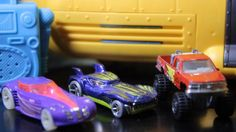 Toy Cars HOT WHEELS CRASH UP Monster Trucks CHASE! RC Action!