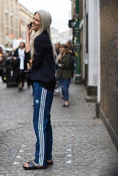 relaxed look fashion trends 2017 Sport Style, Style Me, Sarah Harris, Athleisure Trend, Sport Fashion, Look Fashion, Womens Fashion, Fashion Spring, Winter Fashion