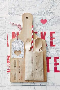 Boards with cutlery packs