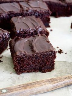 Juicy chocolate cake in long pan of – Food On The Table – Pastry World Delicious Cake Recipes, Yummy Cakes, Sweet Recipes, Yummy Food, Baking Recipes, Cookie Recipes, Dessert Recipes, Desserts, Danish Dessert