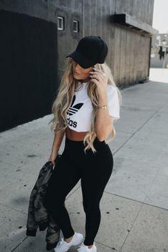 The Street Style #flatlay #flatlays #flatlayapp www.flat-lay.com Pastel Outfit, Outfits Leggins, Sporty Outfits, Dope Outfits, Trendy Outfits, Fashion Outfits, Summer Outfits, School Outfits, Passion For Fashion