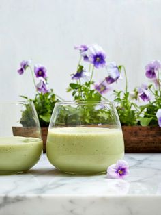 Straight out of her brand new book,Crazy Sexy Juice, Kris Carr shares her favorite energy-sustainingrecipe!  All Day Energy This smoothie is creamy, filling, and […]