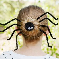 Halloween Inspired Silly Spider Halloween Hairdo - ready to get your beauty and creep Halloween on as well? Create your own Halloween Hairdo with creepy spider bun Happy Halloween, Soirée Halloween, Holidays Halloween, Halloween Treats, Halloween Decorations, Halloween Clothes, Hair Styles For Halloween, Halloween Costumes For Teachers, Halloween Printable