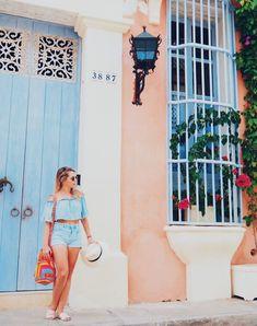 cartagena das indias Beach Tumblr, Cuba Fashion, Colombian Culture, Caribbean Homes, Europe Photos, Photos Tumblr, Girl Photography Poses, Aesthetic Pictures, Girl Photos