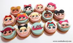 Blog_Pão de mel LOL surprise_103109[2] Cupcake In A Cup, Cupcake Cookies, Chocolate Covered Oreos, Chocolate Chip Cookies, Chocolates, Oreo Treats, Surprise Cake, Lol Dolls, Cookie Designs