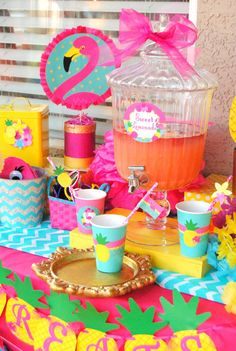 Rainbow Art themed birthday party via Kara's Party Ideas! The Place for ALL Things PARTY! Flamingo Party, Flamingo Birthday, Luau Birthday, Birthday Party Themes, Birthday Ideas, Fete Emma, Hawaian Party, Tropical Party, Luau Party