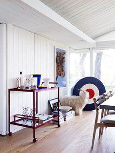 TOUR DESIGNER-TO-THE-STARS TRIP HAENISCH'S ECCENTRIC HOME The art-filled Beverly Hills home of a celebrity interior designer is a feast for the eyes.