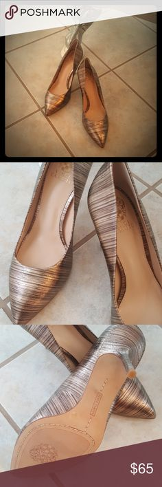 NWOT Vince Camuto Heels! Selling a Pair of Gorgeous NWOT Vince Camuto Heels! These are fabulous! Gorgeous gold, earth tones to highlight any dress or outfit! Size 8.5. Vince Camuto Shoes Heels