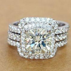 Women's 4.00 Ct Cushion Cut Diamond 3Pcs Engagement Ring Wedding Band Bridal Set #aonebianco